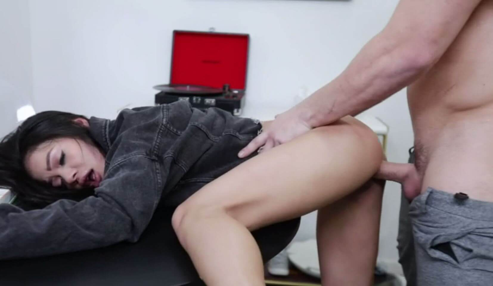 Teaching of tight Chinese pussy how to fuck